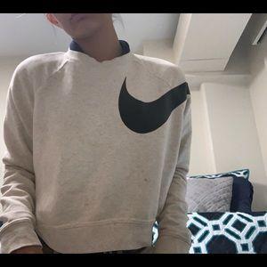 White cropped nike sweatshirt